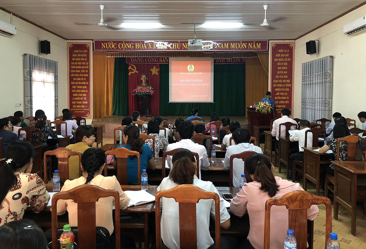 LĐLĐ huyện Phú Riềng tổ chức tập huấn công đoàn năm 2019